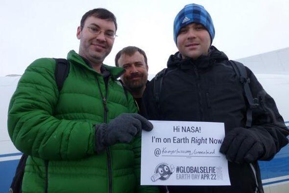 Parte del staff de la NASA compartió muy temprano fotos selfie. #IceBrid...