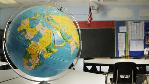 Hablar con los estudiantes sin interferencias académicas es una d...