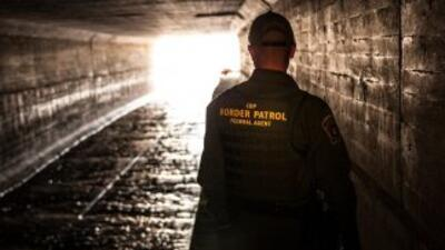 En Arizona, agentes señalan que la agresividad de los indocumentados que...