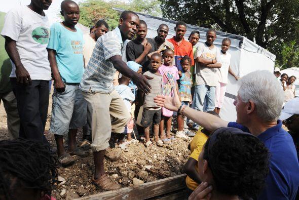 Los dos presidentes de la reconstrucción haitiana han pedido un poco de...