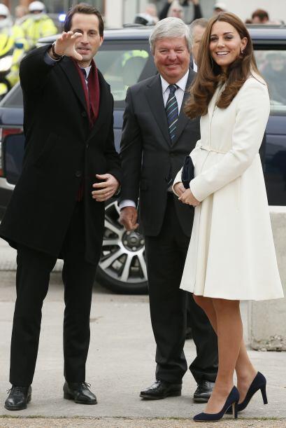 Aunque Kate estaba espectacular, fue su creciente pancita lo que llamó l...