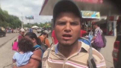 """""""Señor Trump queremos que nos dé una oportunidad"""", el mensaje en inglés de un migrante en la caravana"""