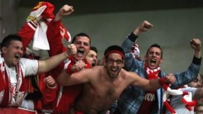 Los seguidores del Mónaco celebran su vuelta a primera.