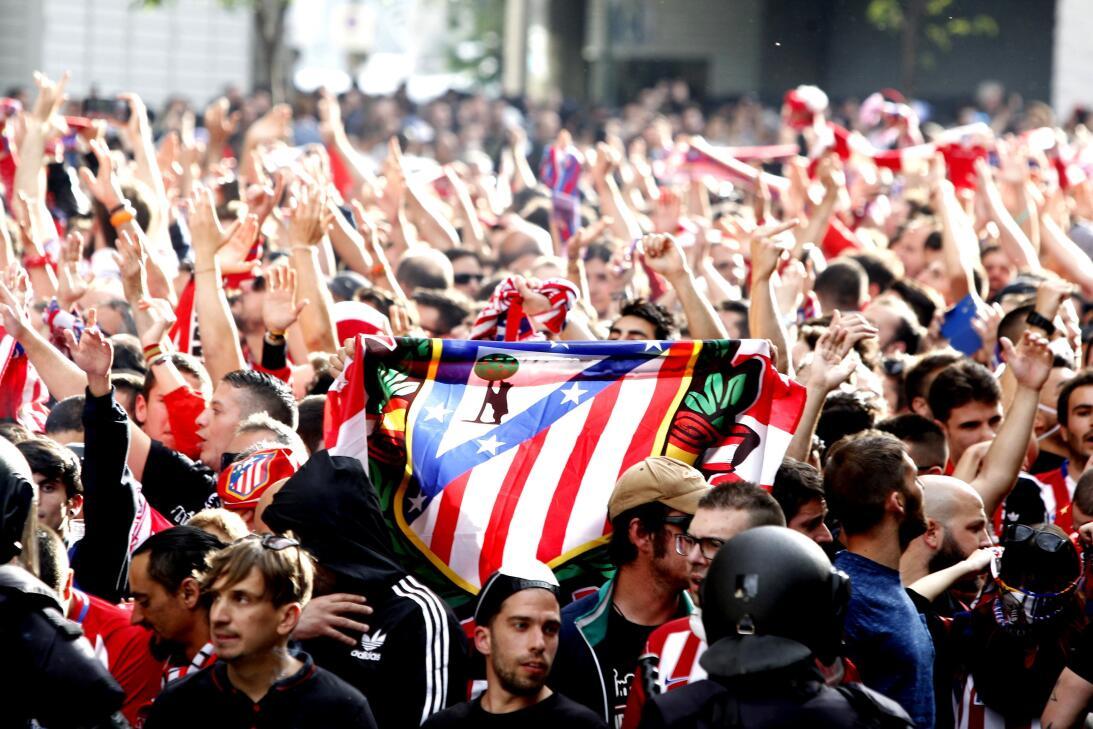 Madrid se vistió de fútbol para la semifinal de Champions entre Real y A...