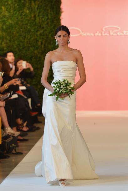 Las modernas y atemporales también encontraban un vestido ideal en sus c...