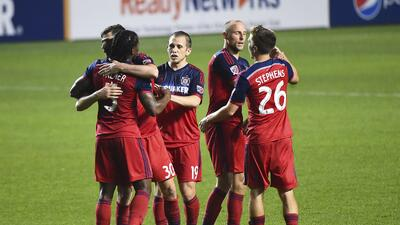 Chicago Fire celebra triunfo historico ante Seattle