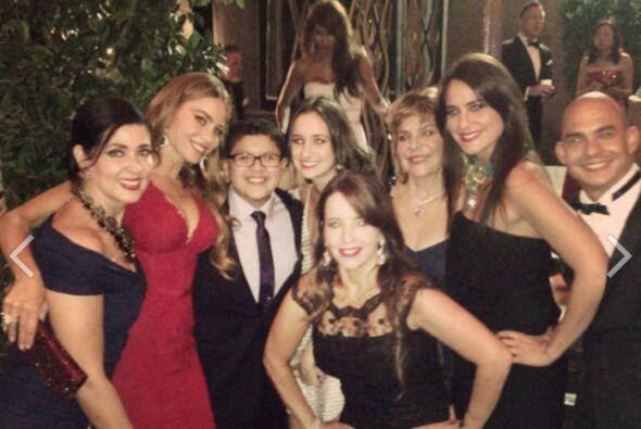 Su hijo en el show, Rico, con sus acompañantes.Mira aquí lo último en ch...