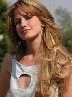En 2006 saltó a la fama con su papel Afrodita Carvajal, en la novela 'Có...