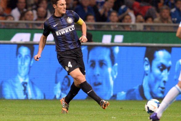 Zanetti, de 40 años, dijo adiós a los seguidores interistas en un recint...