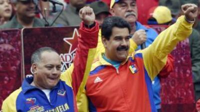 El presidente de la Asamblea Nacional, Diosdado Cabello, junto al presid...