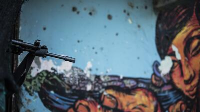 Fuego Cruzado: La vida en medio de la guerra colombiana