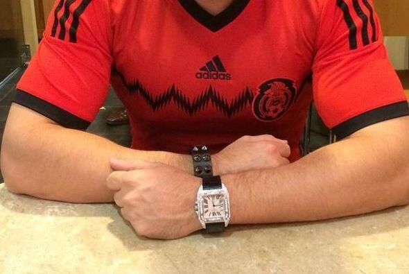 Roberto Tapia  Qué mejor manera de expresar el amor por México que porta...