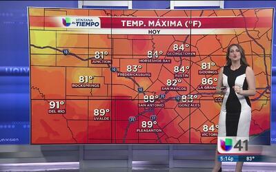Frente frío sobre Texas trae descenso de temperatura y lluvias