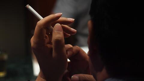 La ciudad de Arlington podría prohibir fumar en bares y restaurantes al...