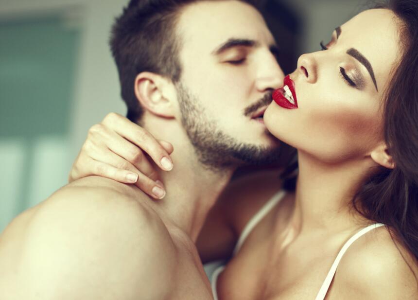 parejas en la cama - sexo