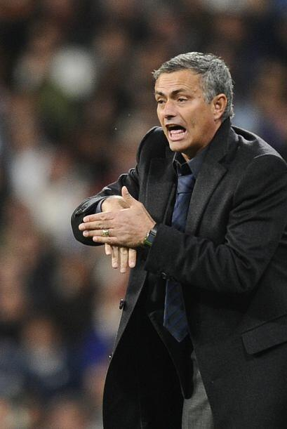 José Mourinho debutaba en este tan esperado duelo, del que esperaba sali...