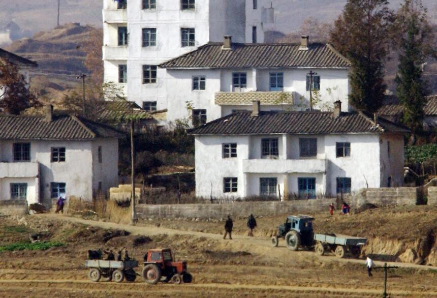 Las 8 curiosidades más extrañas de Corea del Norte  GettyImages-2699544.jpg