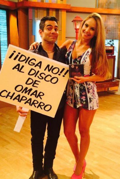"""""""NO COMPREN EL DISCO DE @OMARCHAPARRO POR FAVOR @DespiertaAmeric"""", pisió..."""
