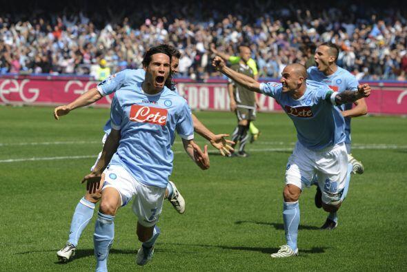 El charrúa le dio la victoria final a Napoli a falta de dos minutos para...