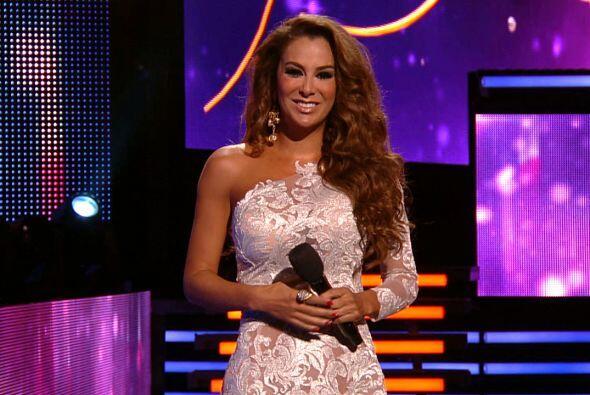 Se dice que la cantante podría ir como conductora de un programa televis...