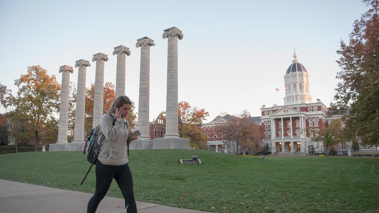 Informe destaca a instituciones que aumentan tasas de graduación para todos