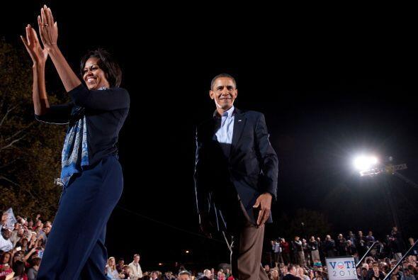 A dos semanas de la renovación parcial del Congreso, el matrimonio Obama...