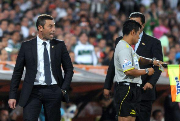 Criticó las condiciones de juego cuando el Santos visitó la cancha de To...