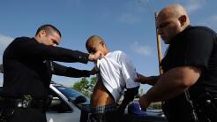 A pesar de las leyes santuario, las policías locales colaboran con ICE e...