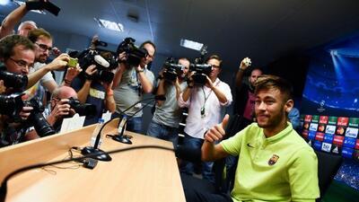 El brasileño atendió a los medios previo al duelo del Barcelona ante el...