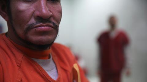 Inmigrante detenido en el centro de ICE en Adelanto, California