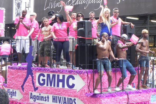 El Desfile del Orgullo en Nueva york 7efd9abf039f4a0b92f5670b9ff2b762.jpg