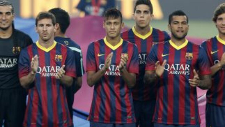 Barcelona se presentó oficialmente ante su público con goleada al Santos.