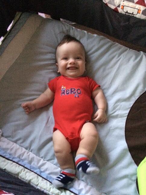 Así se recupera el bebé de Carlitos 'el productor' en el hospital dwky52...