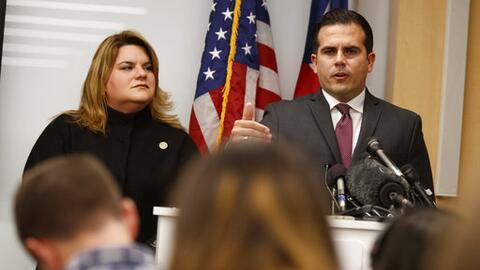 El gobernador de Puerto Rico, Ricardo Rosselló, y la comisionada...