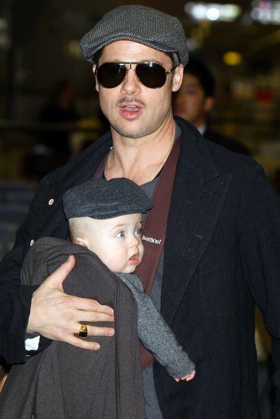 Angelina dio a luz a los gemelos Knox y Vivienne el 12 de julio de 2008....