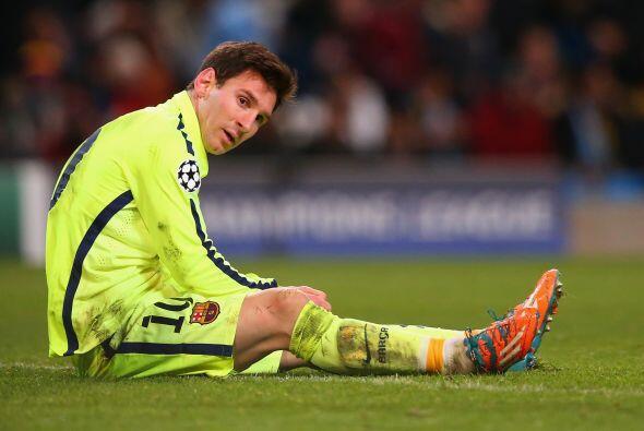 En el contraremate Messi fallaría su remate al intentar cruzar el...