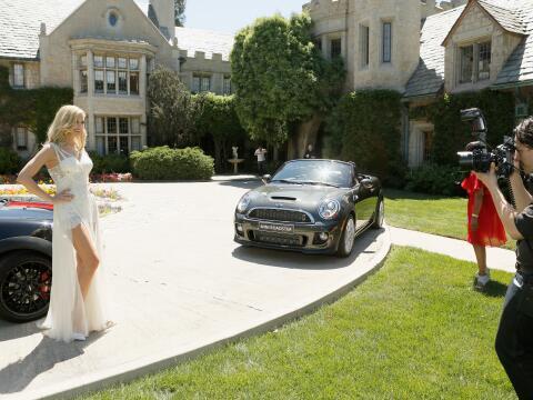 Anuncio de la chica Playboy 2014, Kennedy Summers, en la mansión...