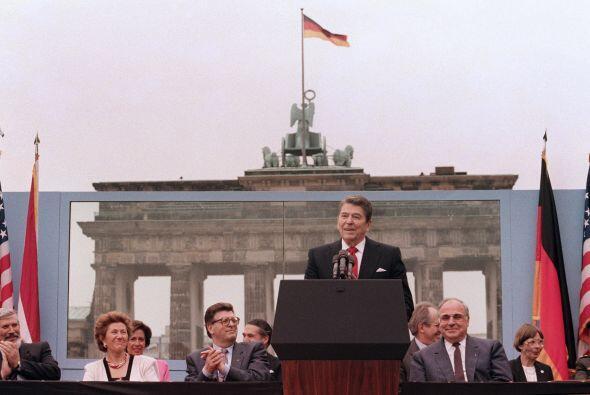 En uno de sus mejores momentos en el ojo público, Reagan le ordenó al pr...