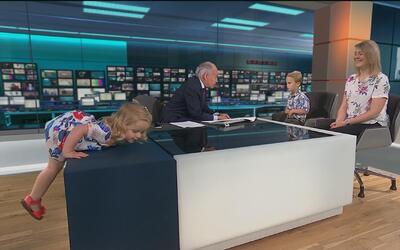 Esta niña tomó el control de un segmento de noticias en vivo