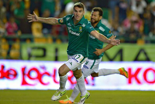 Boselli se convirtió en el goleador del León en el torneo teniendo un bu...