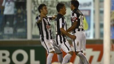 Libertad jugó el partido perfecto en Buenos Aires y derrotó a Tigre 2-0...
