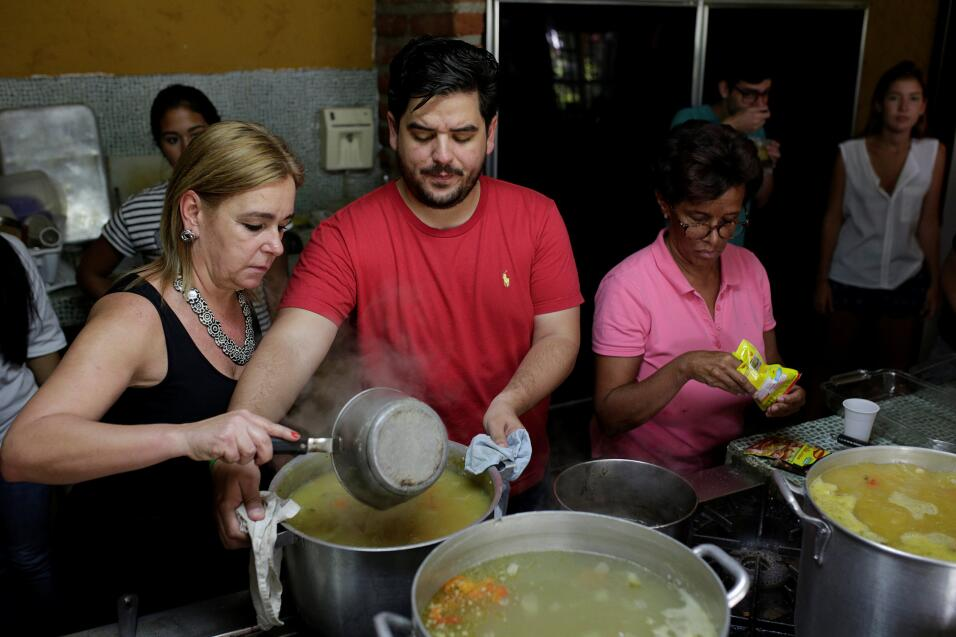 Venezolanos se solidarizan para mitigar el hambre