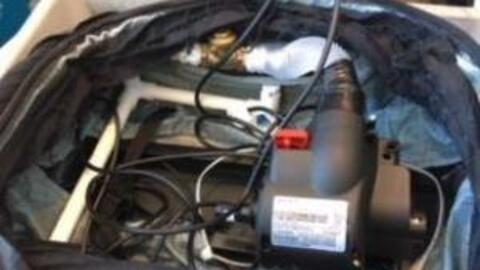 Foto de la falsa bomba que un equipo de TV intentó pasar por un p...