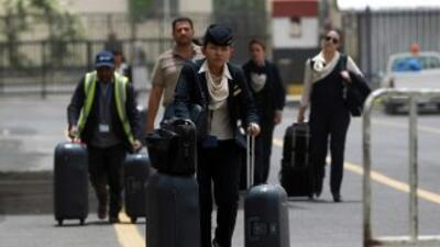 Otra noche de ataques aéreos ha provocado la evacuación de personal de Y...