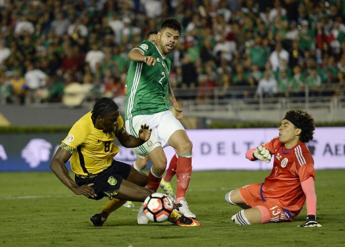 El ranking de los jugadores de México vs Jamaica 35-GettyImages-53915778...
