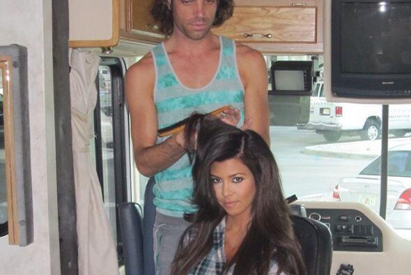 La belleza cuesta, por eso Kourtney Kardashian pasa horas en las manos d...