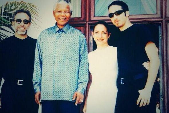 """Gloria Estefan: """"Descanse en paz, Nelson Mandela, alguien que cambi..."""
