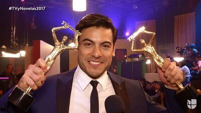 Carlos Rivera se llevó doble reconocimiento en sus primeros 'Premios TVy...