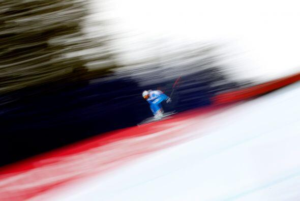 Beaver Creek, Colorado - 07 de febrero: Matteo Marsaglia de Italia compi...