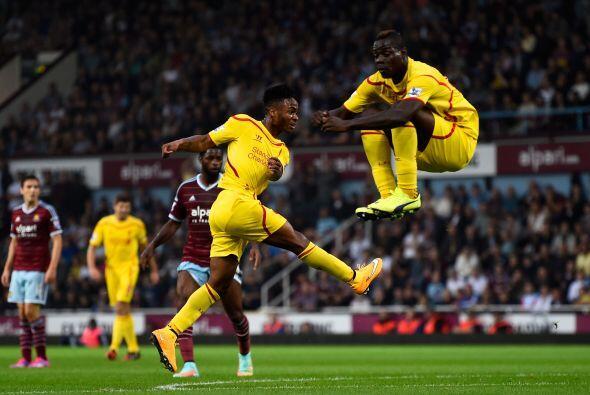 Durante el juego entre Liverpool vs West Ham, Balotelli realizó u...